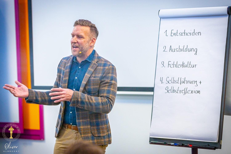 Keynote Speaker Ludwigsburg und Stuttgart Egmont Roozenbeek beim Vortrag auf dem European Speaker Award 2019